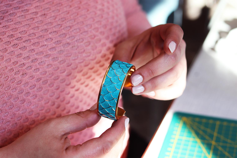 bijoux en cuir manchette bracelet cuir en stock