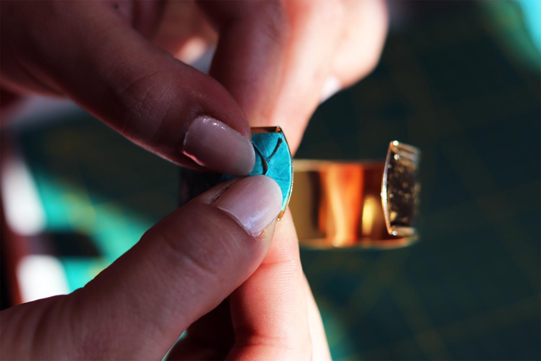 collage cuir bijoux bracelet manchette