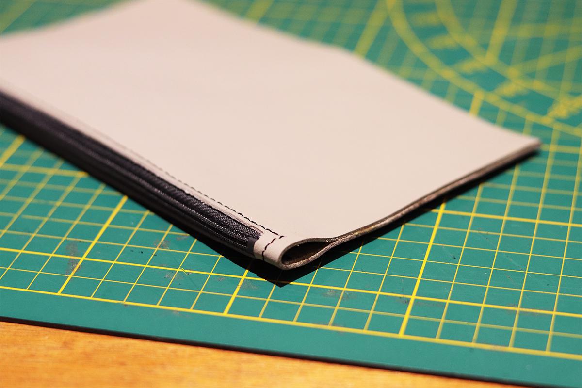 tutoriel cuir fabriquer et coudre une trousse pochette en cuir
