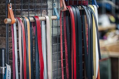 Cuir en Stock -bandes lanières et lacet de cuir - vente en ligne