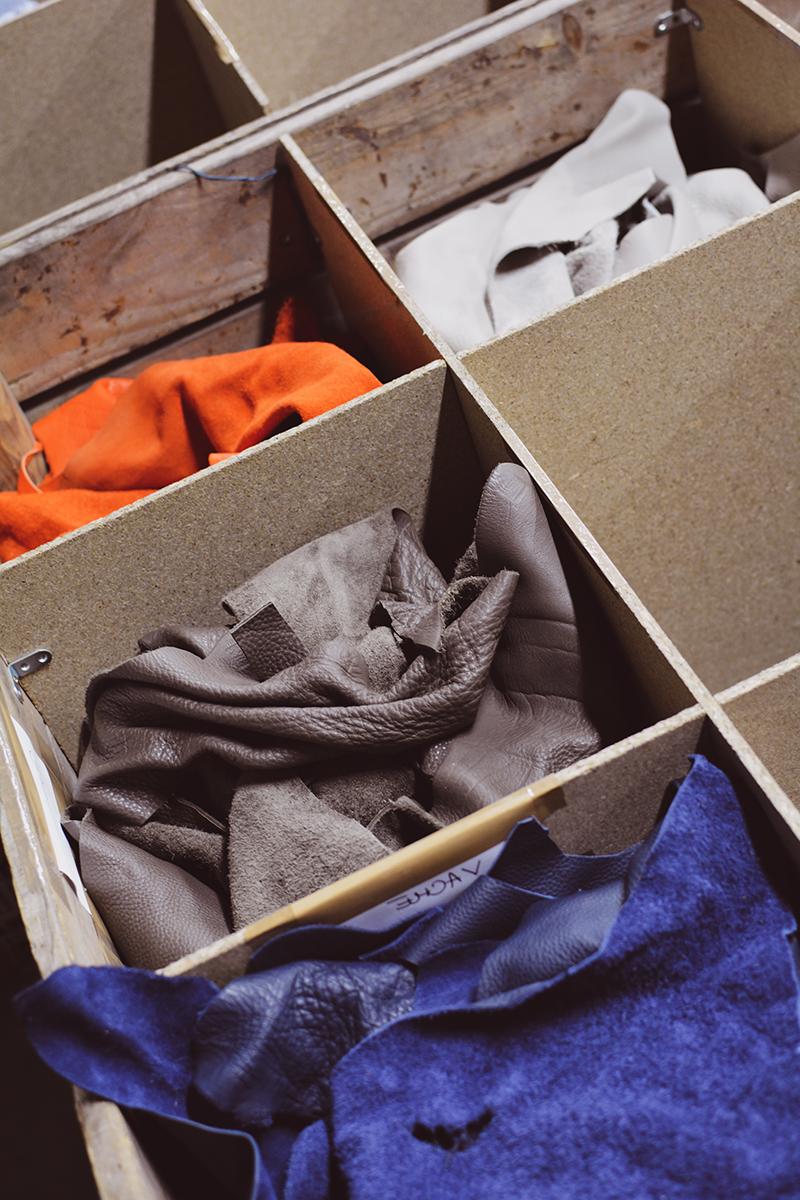 Chutes et morceaux de cuir vendus au poids - Cuir en Stock