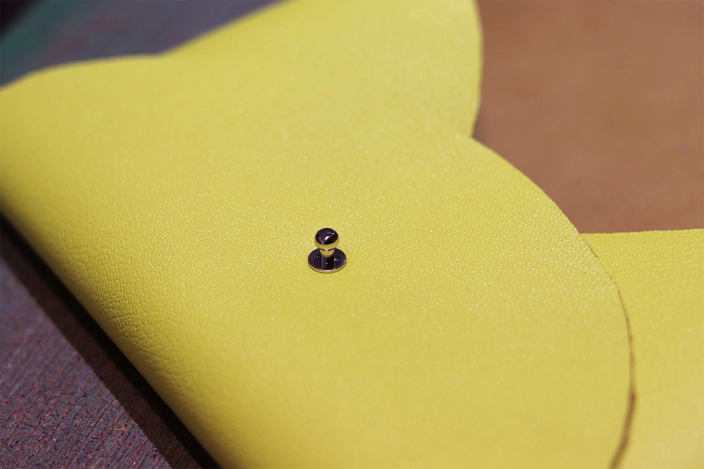 bouton de col Cuir en Stock tutoriel travail du cuir sans couture