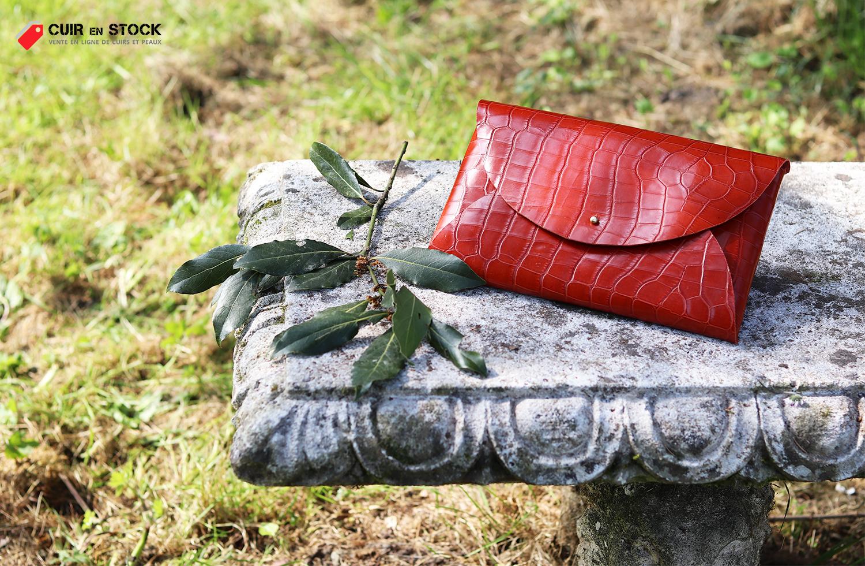 pochette cuir imitation reptile crocodile exotique