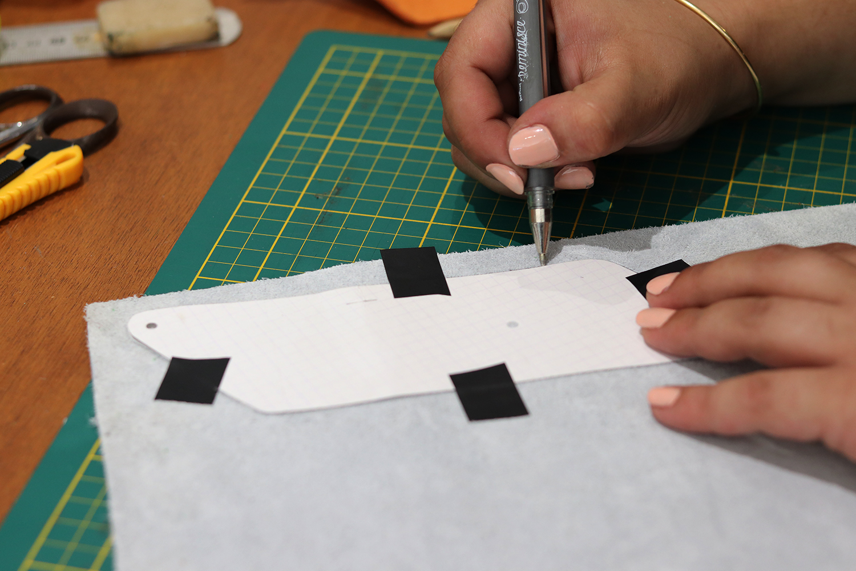 tutoriel travail du cuir fabriquer un porte-monnaie avec cuirenstock