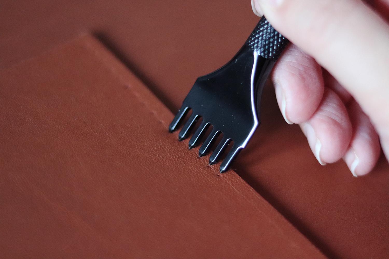 griffe à frapper peigne pour perforer le cuir Cuirenstock