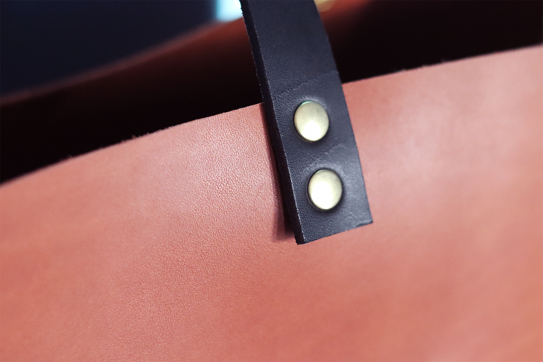 poser des rivet sur du cuir Cuirenstock tuto DIY
