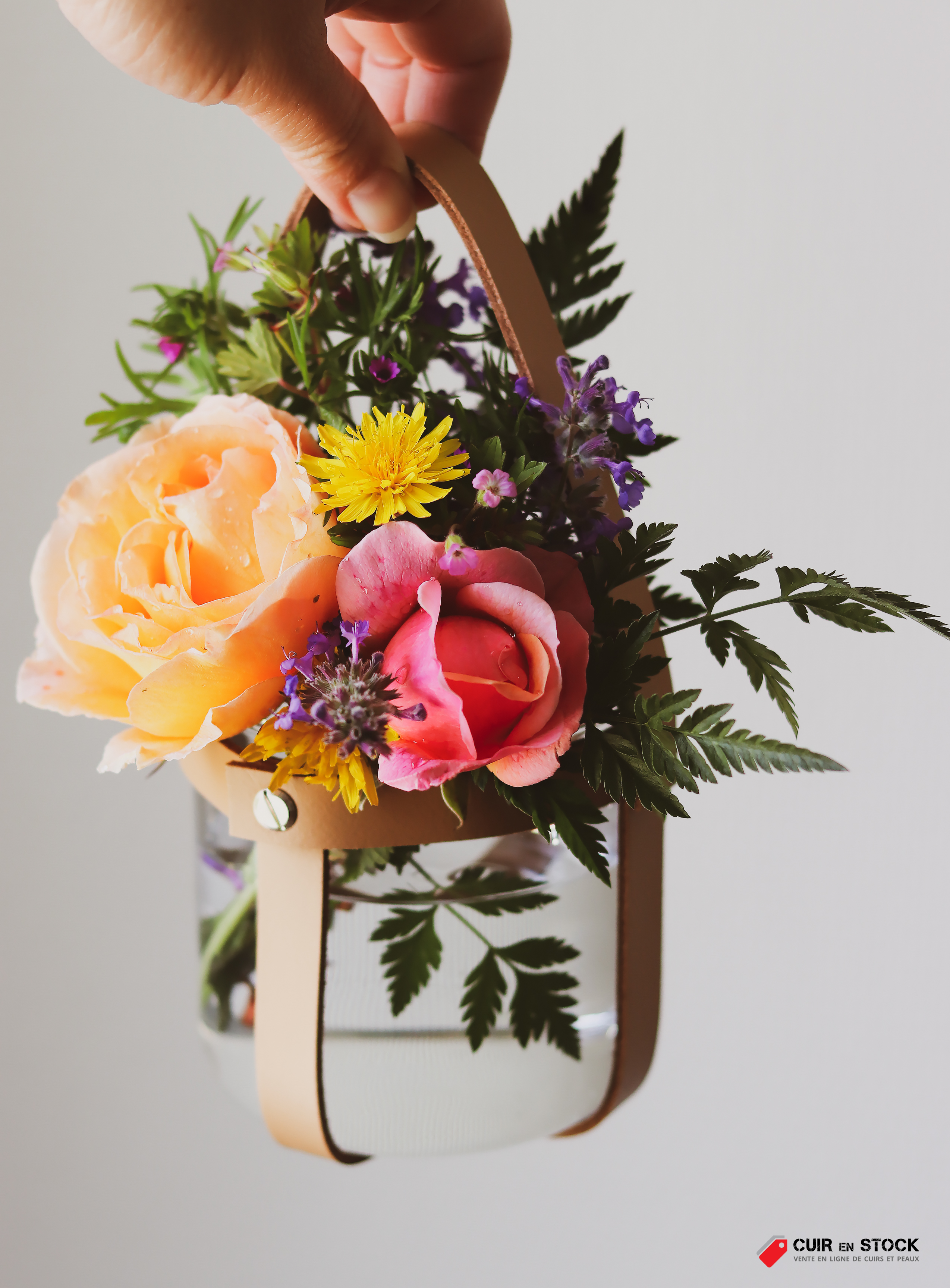 DIY comment réaliser une suspension florale - Cuir en Stock