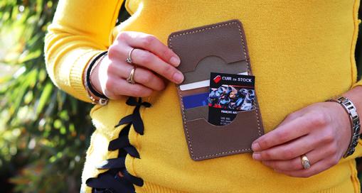 TUTO : Comment fabriquer un porte-cartes en cuir avec Cuir en Stock