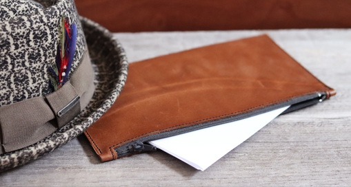 TUTO : Comment coudre une trousse / pochette en cuir (patron gratuit) avec Cuir en Stock
